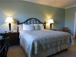 Beachside Inn - 1 King Bed, Destin