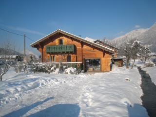 Chalet Les Bois - Ski Chalet, Morillon