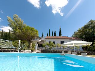 Villa Killara and pool....