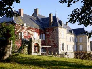 Chateau De Mouney, Brousse