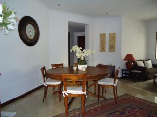 Circular Dining Table seats 8
