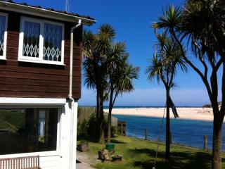Ferry House Absolute Beach Front Pool Hot Tub Wifi, Lelant