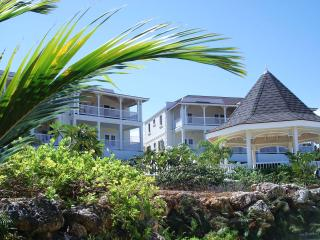 Vuemont Apartment - Barbados - Sleeps 4