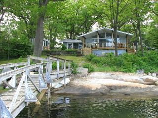 Changing TIdes: Direct waterfront cottage on Mill River in Gloucester!