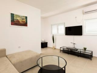 Modern one bedroom apartment, Bat Yam