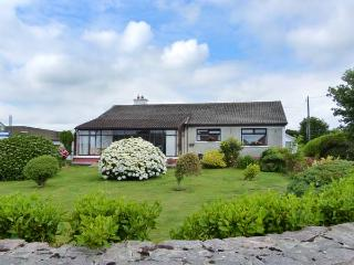 CONNOLLY'S COTTAGE, all ground floor, WiFi, close to amenities, detached
