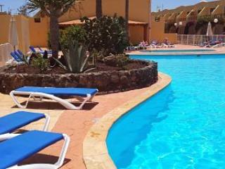 105. DUPLEX DESIGN IN FUERTEVENTURA. 2 POOLS