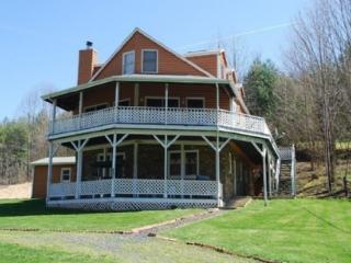 Grand River Lodge-Riverfront, Pet Friendly, Family Friendly