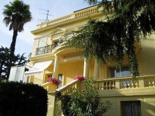 Four bedroom, three bathroom villa in exclusive area of Cannes