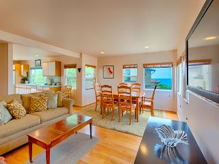 10% OFF MAY DATES - Del Mar Vacation Rental Cottage With Ocean Views