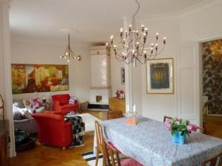 Large Two Bedroom Apartment in Östermalm - 1620