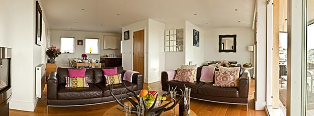 Open Plan living /dining