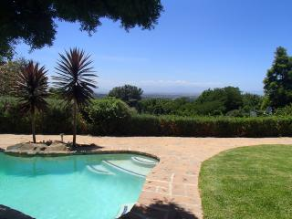 CONSTANTIA HOLIDAY VILLA PRIVATE TRANQUIL RETREAT