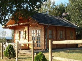 Bungalow  de Madera  Rural con Piscina, Llinars del Vallès