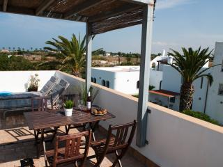 CASARA 5, rural cottage with amazing ocean views.