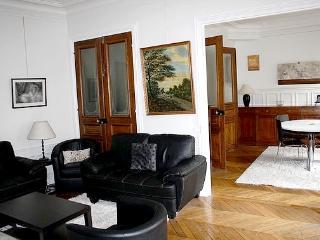 Amazing large apartment_Etienne Marcel apt#1235, Paris