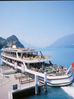 Lake Thun Steamers run just like bus services