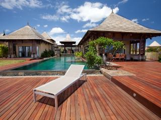Luxury 5 bedroom Villa Calypso, Belle Riviere