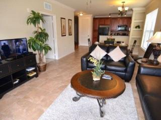 904CP-521. 3 Bedroom 3 Bath Condo in Bella Piazza Resort