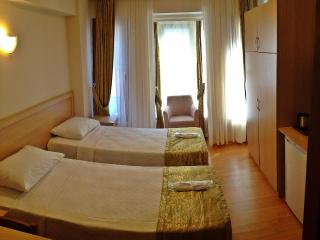 Central , Cosy Flat, 3 Bedded Room, Estambul