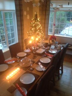 Christmas- New Year 2012 dining in Forest Corner (dining for 8)