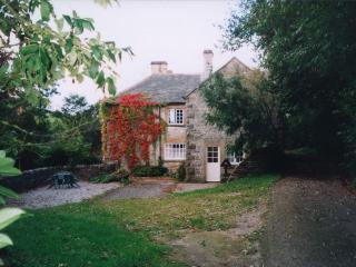Rent Cottage & Barn 4 Bedrooms, Alstonefield