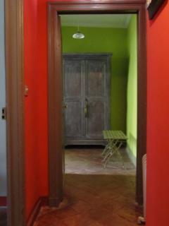 corridor comfort room