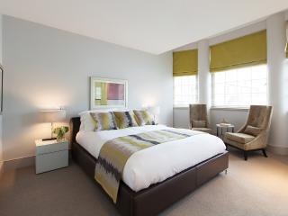 1 bed Nestled between Hyde Park and Regents Park., Londen