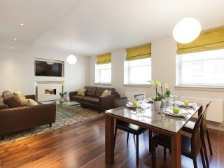 1 bed Nestled between Hyde Park and Regents Park.