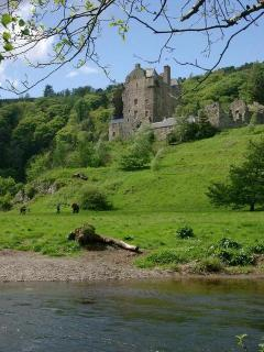 Neidpath Castle beside the Tweed