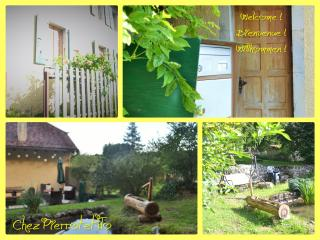 Chez Pierrot et Flo, Vugelles-La Mothe, Suisse, Charmey
