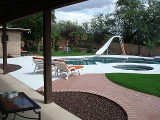 5 Bedrm Home - Sleeps up to 10  Private Pool (not heated) Jacuzzi ($50.00/day, Tucson