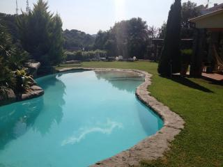 villa in Barcelona area w. pool and superb views