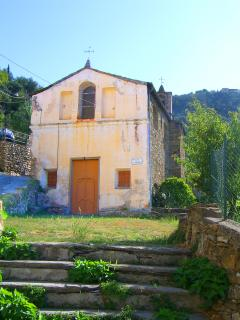 The neighbouring Ancient Chapel
