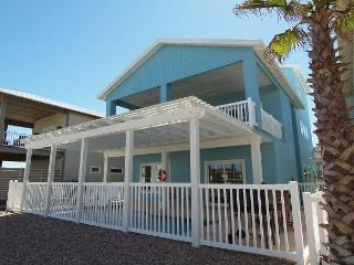 FABULOUS home in upscale Banyan Beach! Price Reduced for New Bookings!