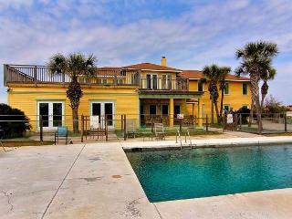 5500 square foot beach house situated on 1.86 acres overlooking the Gulf!, Port Aransas