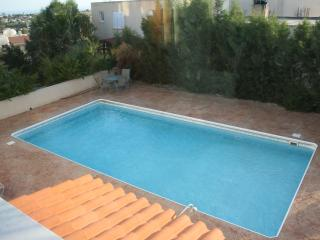 Apart. with sea view and pool