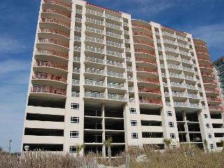 Beautiful DIRECT oceanfront condo sleeps a total of 8, North Myrtle Beach