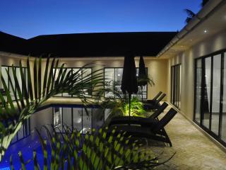 Grand Amber Villa, Galu Beach