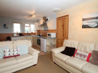 OPEN PLAN LIVING SPACE,    VERY MODERN + COMFORTABLE WITH LCD TV, DVD AND FREEVIEW.  BALCONY