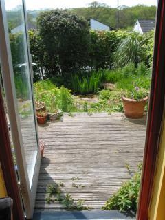 Looking thru to front deck & garden