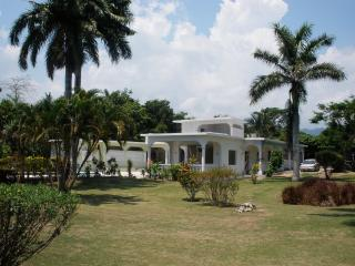 Sheer Folly Villa
