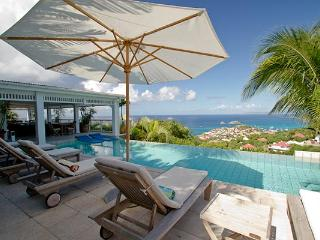 Villa set in tropical garden with incomparable views over Gustavia WV AMI, Lurin