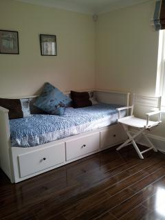Bedroom 4 - double daybed