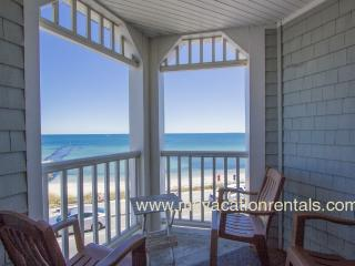 SMITE - Seaview  Condo,  Waterfront 3rd Level Corner Unit with Spectacular Views,  Beach Across the Street, Stroll the Watefront to Oak Bluffs Center.
