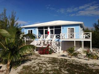 Beach House Casuarina & private beach with deck, Marsh Harbour