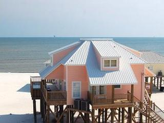 Kowabunga! Large Gulf-side Beach House with Pool, Game Room, Crow's Nest, Dauphin Island