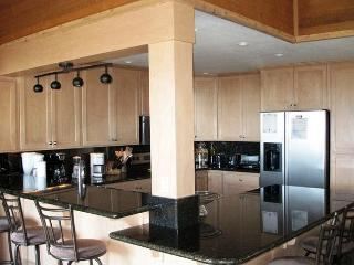 Remodeled 3+Loft/4, Ski-in, Ski-out townhome at Eagle Lodge, Mammoth Lakes