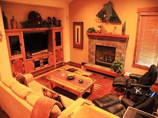 Luxury 3 Bed/3.5 Bath Townhome, Newest Phase of Snowcreek, Beautiful and New!, Mammoth Lakes