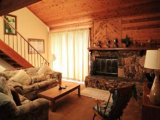 2 Bed + Loft/3 Bath, Sleeps up to 8, Awesome Amenities, Mammoth Lakes